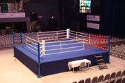 Boxningsring med podium