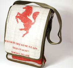 Give it bag, laptopväska Röd häst