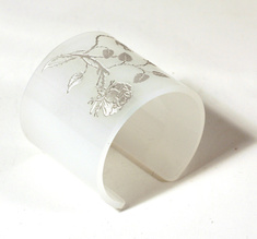 Cuff, Thorn Flower, pale white, 60 mm