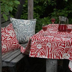 Botanical Zebra Tablecloth, Laquor red
