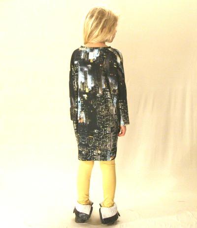 Dress Wide, Digital City