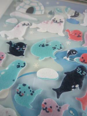 Seals, felt