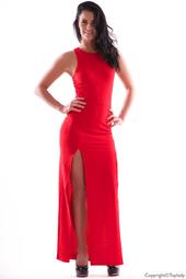 Röd figurnära långklänning