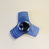 BA - Fidget Spinner Metallic Blå