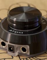 Atom by Critical - Svart