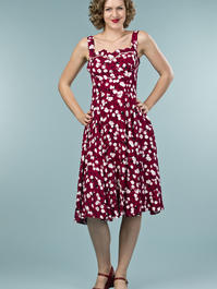 the countryside cutie dress. tulips in wine