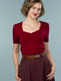 the sweetheart knit top. wine
