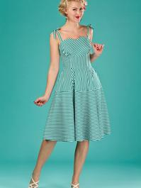 the pretty perfect picnic dress. green/white