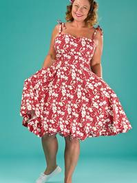 the pretty perfect picnic dress. red floral