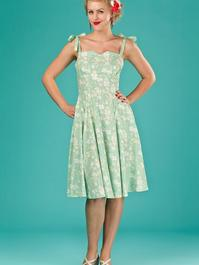 the pretty perfect picnic dress. green floral