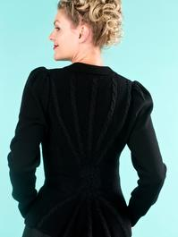 the screen siren cardigan. black