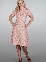 The darling darling dress. Bows on peach