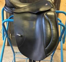 Solution saddle
