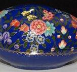 Ägg blå med blommor