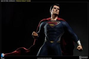 Man of Steel: Superman Premium Format Figure
