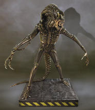 Aliens: Alien Warrior 1:1 scale statue