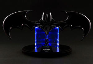 Batman Forever: Batarang Replica with LED Light