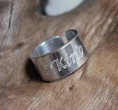 One of a Kind - handskrivet budskap på justerbar ring