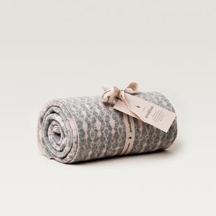 Drops Rose Wool Blanket