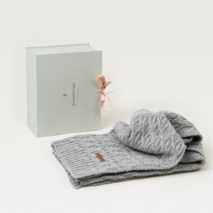 Knots Gray Wool blanket