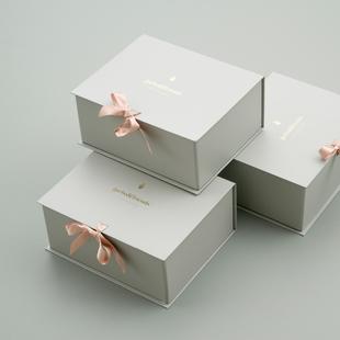 Giftbox Dove