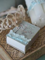 Tändsticksask handgjord Jeanne d´Arc Living shabby chic lantlig stil