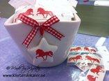 Juliga röda töltande islandshästar 4-pack