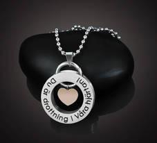 """Halsband Kärlek """"Drottning i Våra hjärtan"""""""