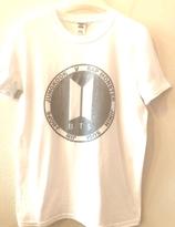 BTS T-shirt - Vit  med silver logo