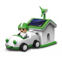 Soldriven och uppladdningsbar bil