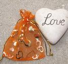 Organzapåsar med guldhjärtan orange 10x12cm
