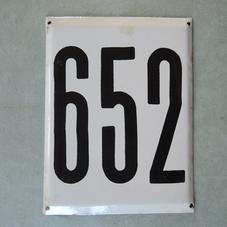 Iso vanha emalikyltti numero 652