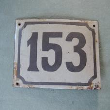 Vanha emalikyltti numero 153