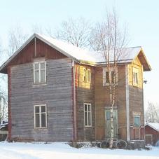 Vanha talo purettavaksi