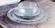 Glass bowl/plate with bubbles