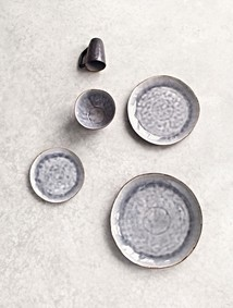 Dinnerplate grey crackel