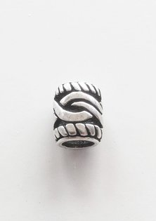 Barbe Perle, Argent
