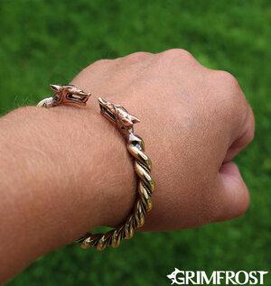 Wolf Arm Ring, Hati & Sköll