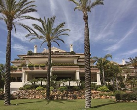 Квартира класса люкс в Марбелье Los Monteros Playa