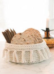 Mönster virkad brödkorg i Ribbon Svarta Fåret