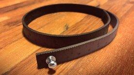 Wrist ruler - Måttarmband i mörkt skinn 40,6 cm / 16 inches