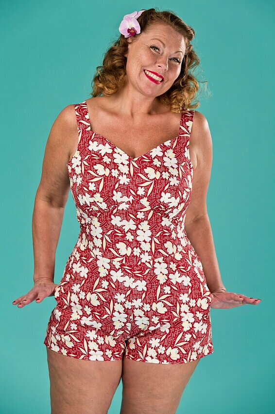 c6c79f34055d emmy design - the beach beauty playsuit. red floral