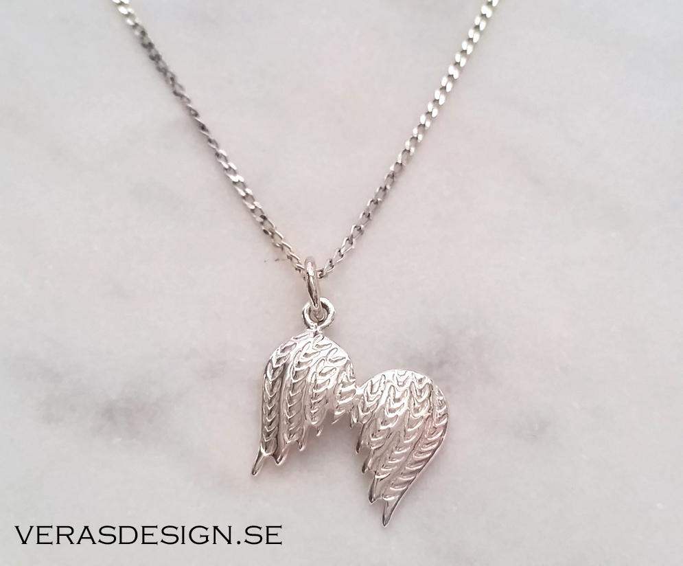 halsband med änglavingar