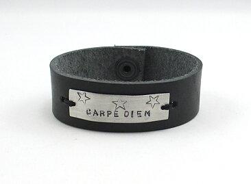 Armband Läder Carpe diem - GULDKORNET 7694d0c4eb6fa