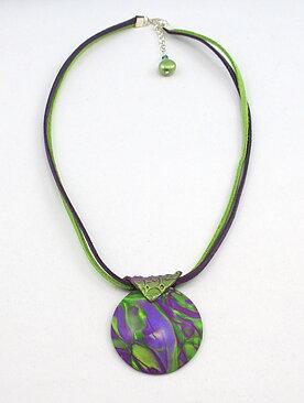 Halsband lila lime med skimrande effekt - GULDKORNET 920bd6e0972a8