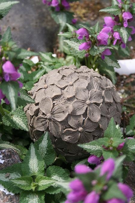 Latexform klot med hortensia