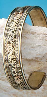 Englagård Presentbutik - Armband dekorerat i filigranteknik 98c0dc6e22311