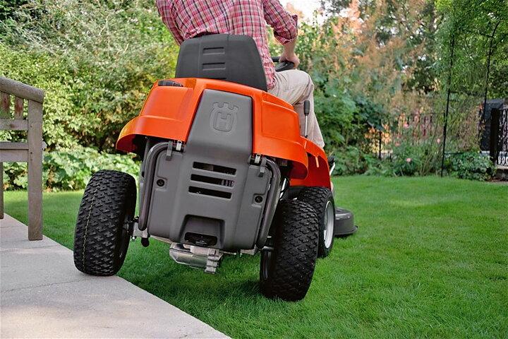 husqvarna rider 112c ride on lawn mower buy online. Black Bedroom Furniture Sets. Home Design Ideas