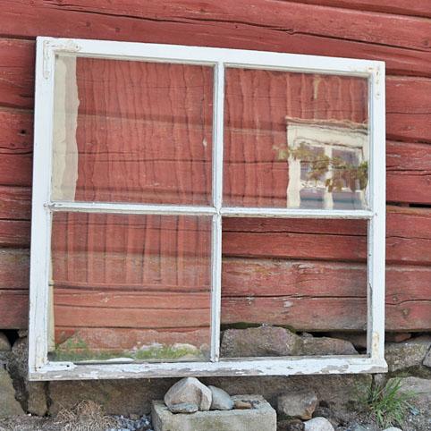 gamla spröjsade fönster säljes