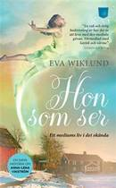 Hon som ser - Eva Wiklund - Pocketbok